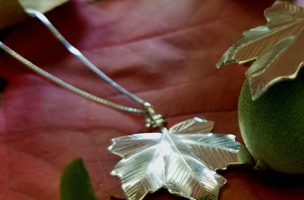 Artists market jewelry