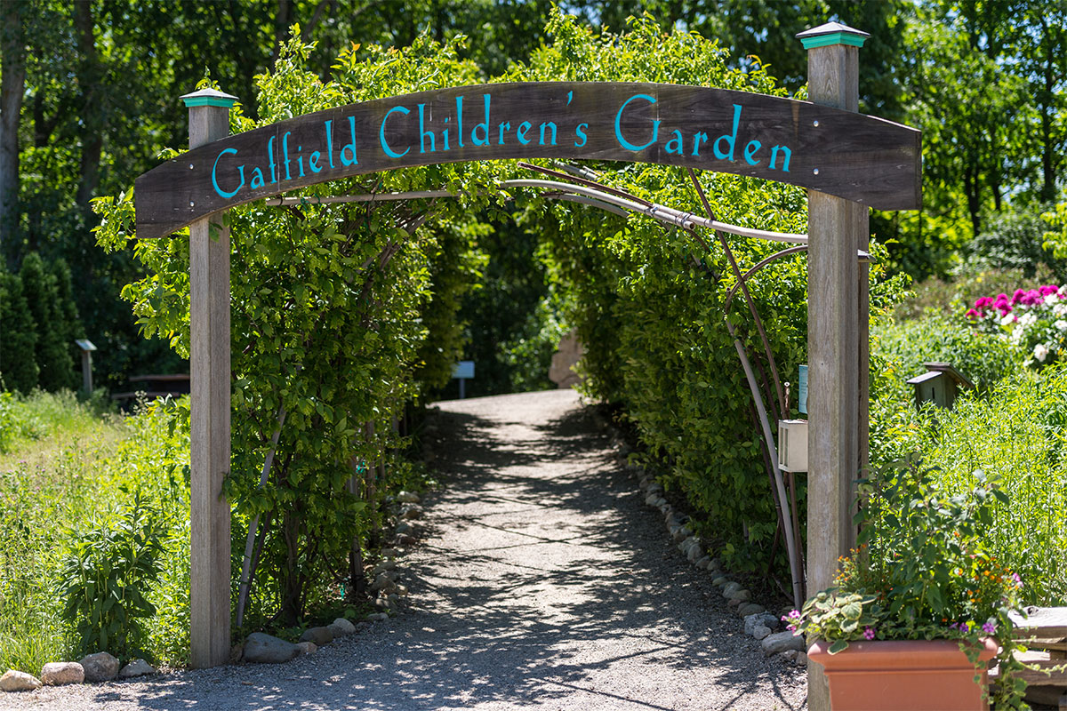 Seeking Volunteers For Kids 39 Nature Programs And Garden Spaces Matthaei Botanical Gardens And