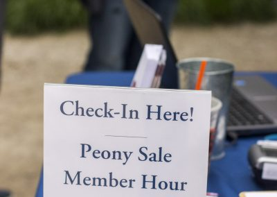 Check in sign for member hour.