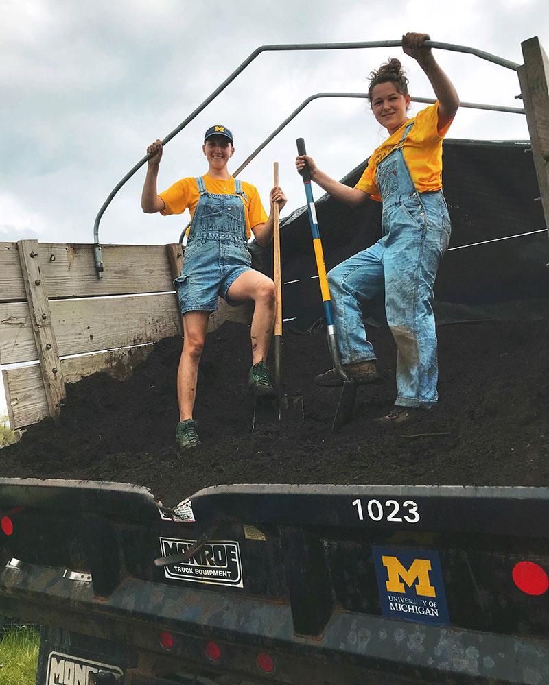 Students-shovel-compost