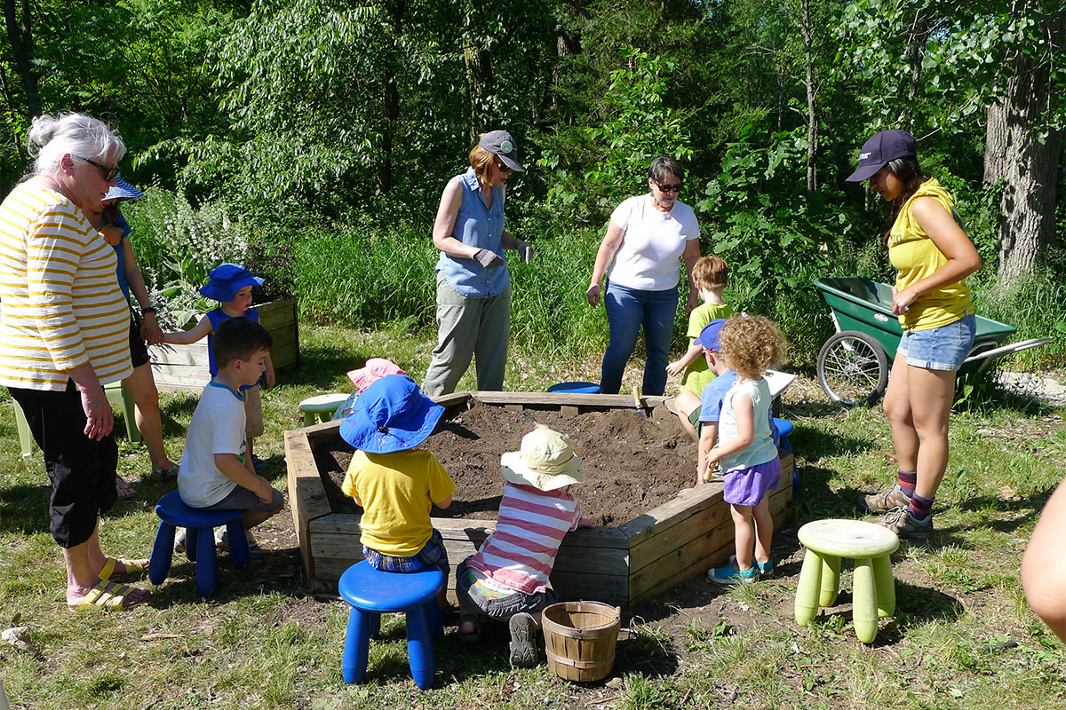 Nature Play Pop Up activity