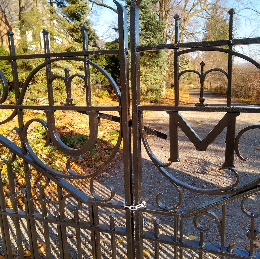 Close up of newly refurbished gates at the Geddes entrance to the Arb